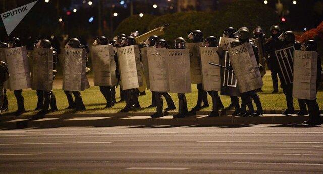 معترضان در مینسک به محل اقامت لوکاشنکو نزدیک شدند